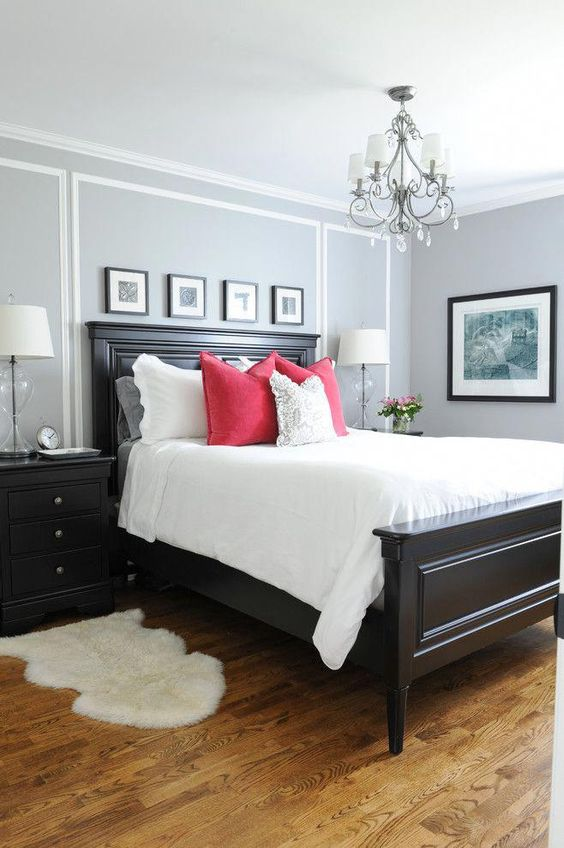 This room looks great but when you put some very great color like I do with this red pillows you get totally new design in your room. Or also in this room you can put orange color in photographys, and get very modern design ideas.
