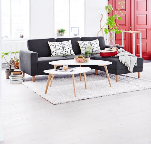 Great coffee table. Living room decor ideas