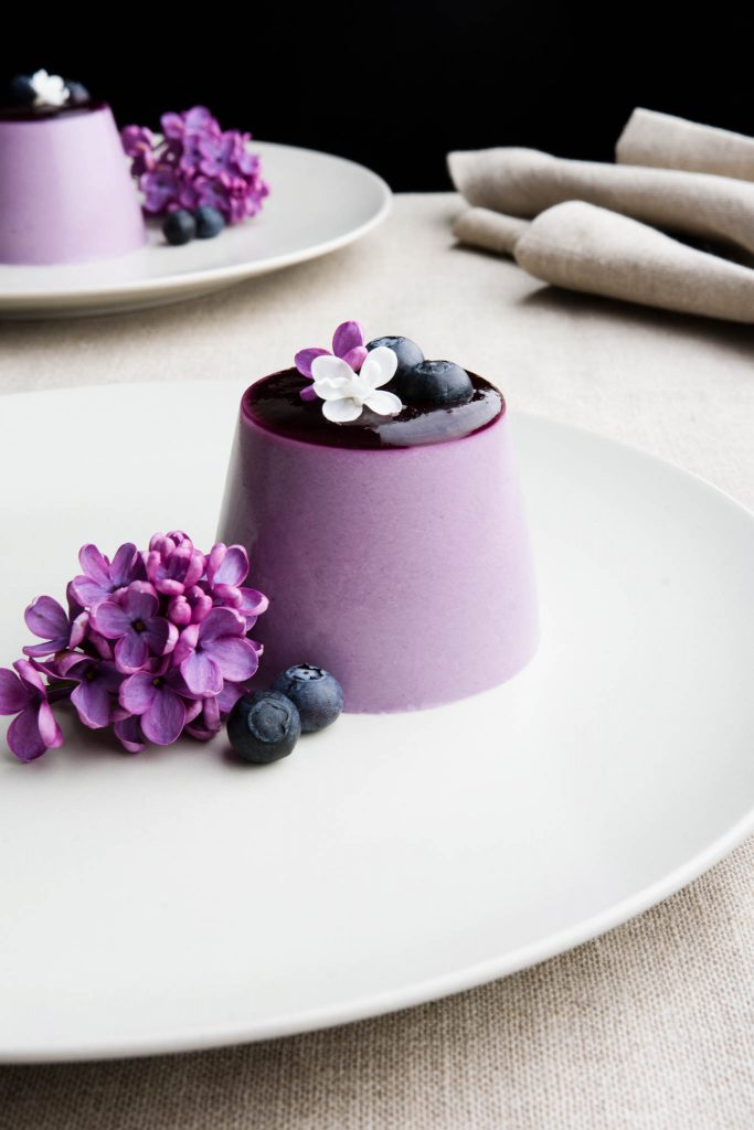 make amazing Panna Cotta with Blueberry